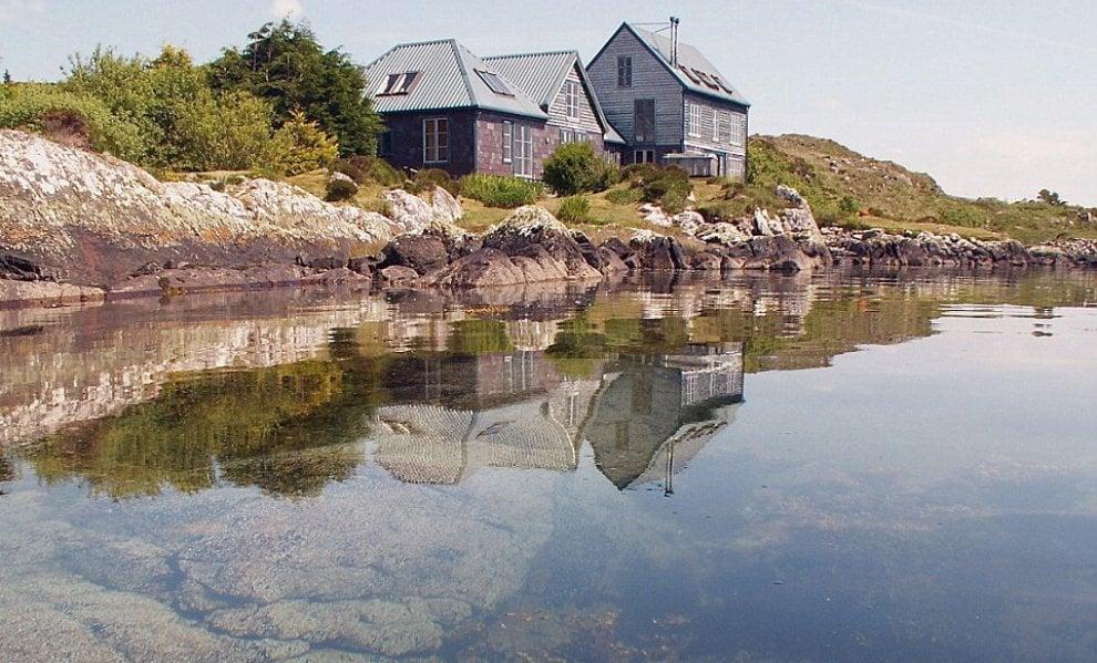 La solitudine del miliardario acquista la casa perfetta for Trova la casa perfetta