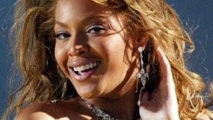 Album Beyoncé batte ogni record Tutte le canzoni nella top 100