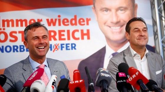 """Austria, Strache: """"Vogliamo un Tirolo di nuovo unito. Renzi e Merkel sono scafisti di Stato"""""""