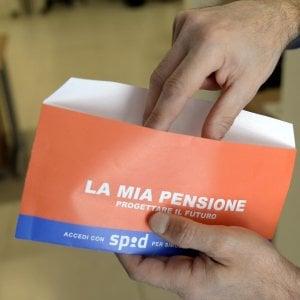 """Pensioni, impegno del governo al 2017. """"Uscire prima con penalità"""""""