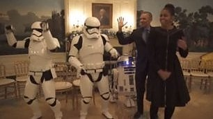 L'Impero invade la Casa Bianca Obama balla per lo Star Wars Day