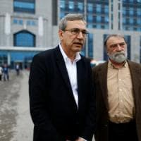 """Orhan Pamuk: """"In Turchia clima di paura, il potere mette a tacere oppositori e g..."""