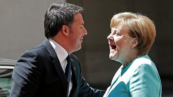 """Migranti, Renzi con Merkel: """"Vienna fuori dalla storia"""". Cancelliera: """"No a confini chiusi"""""""