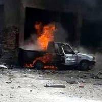 Siria, raid su campo profughi al confine con la Turchia. Ong: 28 morti, anche donne e...