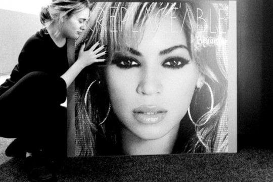 """Adele esalta Beyoncè: """"E' come Gesù"""""""