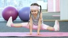 Le posizioni yoga che fanno bene ai bambini