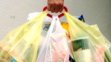 New York dichiara guerra alla plastica ''5 cent, tassa sulle buste usa e getta''