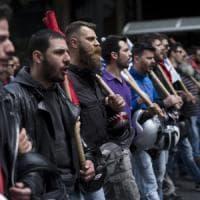 Grecia in sciopero contro le riforme lacrime e sangue