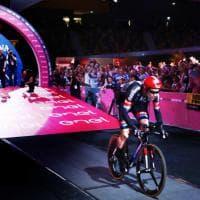 Giro d'Italia, il film della prima tappa