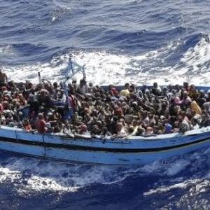 Migranti, riprende il flusso verso l'Italia. Aumento previsto da metà maggio