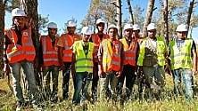 Il cash for work organizzato da AVSI  nella foresta dei rifugiati taglia-boschi