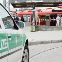 Monaco, uomo accoltella passeggeri in stazione: le immagini dopo l'aggressione