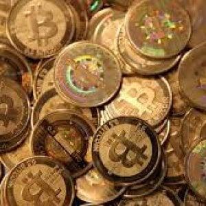 Zugo, la capitale del Bitcoin: sarà possibile pagare sanità e trasporti
