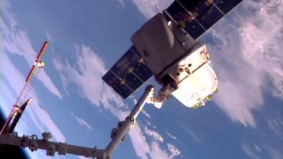 Space X, la capsula Dragon è tornata sulla Terra