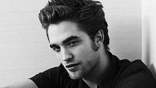 Robert Pattinson, i trent'anni dell'ex vampiro che oggi sogna le intellettuali
