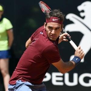 Tennis, Roma: Federer fuori negli ottavi, avanti Nadal e Djokovic