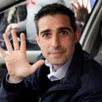 M5S, sospensione Pizzarotti divide il web, che guarda anche a Nogarin: