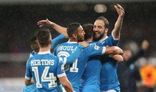 Napoli-Frosinone 4-0: Higuain riscrive la storia, azzurri in Champions