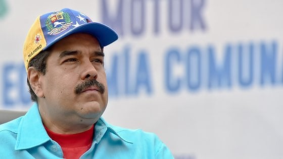 """Venezuela, il presidente Maduro ordina: """"Occupare le fabbriche chiuse e arrestare i proprietari"""""""