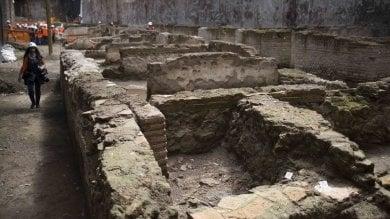 Roma, dagli scavi per la terza metropolitana  emerge un'antica caserma   foto   -   video