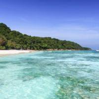 Thailandia, divieto di paradiso: troppo turismo, chiude l'isola Koh Tachai