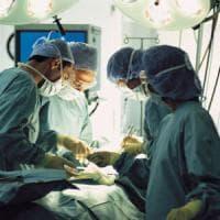 Trapianto di rene record a un bimbo di 6 anni, il donatore aveva 1 anno