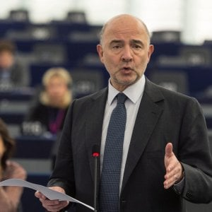 La Ue conferma la linea morbida, valutazione sul debito italiano a novembre