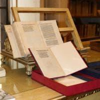 La lettera di Colombo rubata: le immagini dei carabinieri