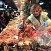 Tonno, sogliola o seppie: occhio al trucco sul banco del pesce