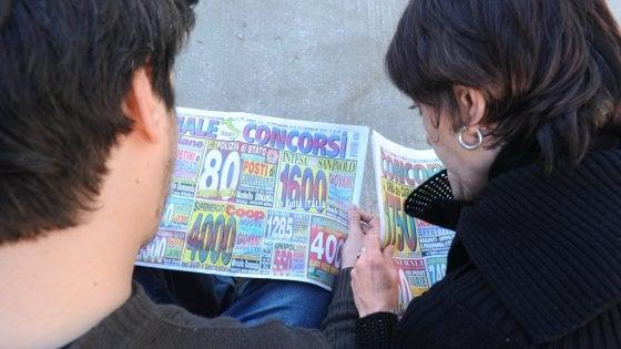 Istat, i giovani del 2016: poco occupati, poco coinvolti. Sei su 10 vivono con i genitori, il 42% sogna un futuro all'estero
