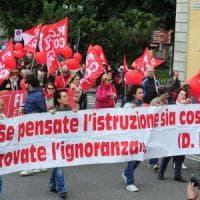 """Scuola, sciopero con tutti i sindacati. Il Ministero: """"Fermo solo il 9,4%"""""""