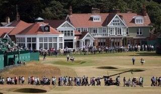 Golf, il vecchio Muirfield non molla: niente donne, ed è polemica