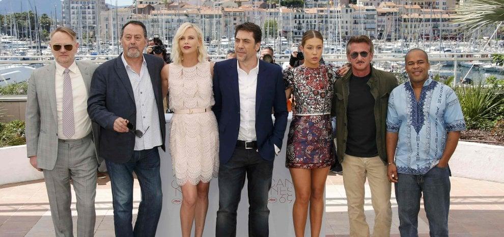 Cannes, Penn e Charlize si ignorano. E la sala fischia il film