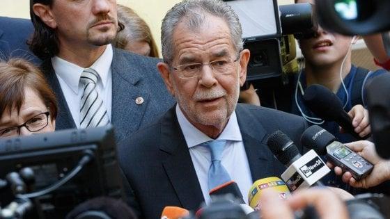 Chi è Alexander Van der Bellen, il verde speranza anti-destra delle presidenziali in Austria