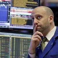 Le cedole frenano Piazza Affari: -2,7%. Borse in attesa di Grecia e Usa