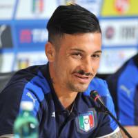 Serie B, partite truccate dalla camorra: 10 arresti, indagato il genoano Izzo