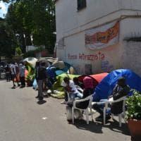 """L'odissea del Baobab: """"I migranti continuano ad arrivare, dalle istituzioni"""