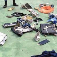 """Volo Egyptair, torna la tesi dell'esplosione. Il medico legale egiziano: """"Solo un'ipotesi"""""""