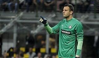"""Inter, Zanetti avverte Handanovic: """"Resta solo chi è contento"""""""