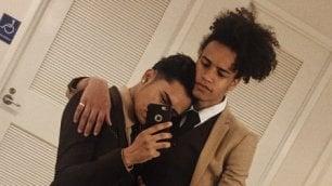 Usa, i genitori vietano al figlio gay il grande ballo. La sua risposta conquista Twitter