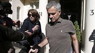 Mou divide Manchester  ''Non è un allenatore adatto allo United''   video