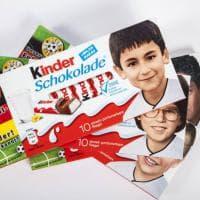 """Germania, destra xenofoba contro la Kinder: """"No ai bimbi neri sulle barrette di cioccolato"""". Ma sono i giocatori della Nazionale"""