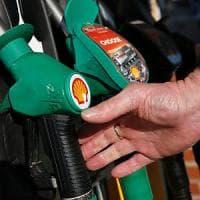 Shell taglia 12.200 dipendenti: pesa la crisi del petrolio