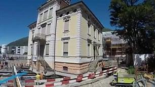 Il 'trasloco' più facile mai visto  La villa viene spostata tutta intera