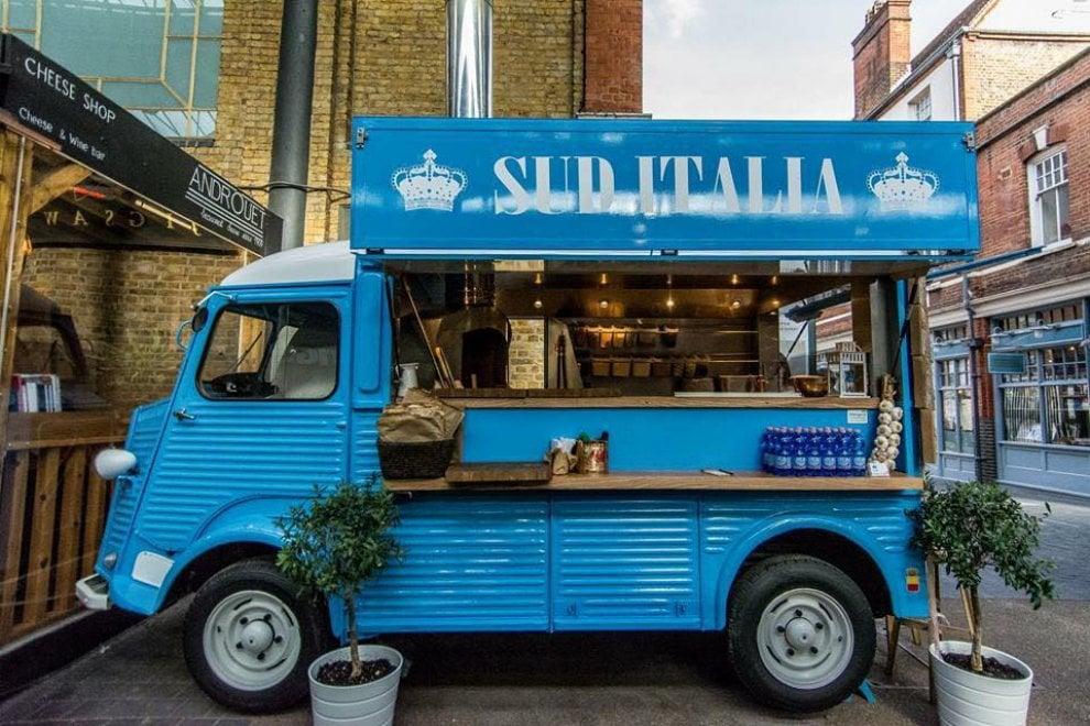 fee5396e7b Londra come Napoli: la pizza a portafoglio di Silvestro conquista la City  ...