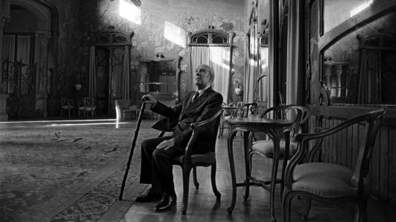 Da Palermo  a Palermo: il tour di Borges, funebre e buffo