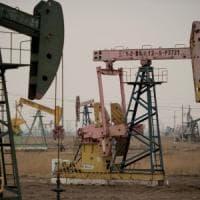 Il petrolio rivede quota 50 dollari, i mercati chiudono poco mossi