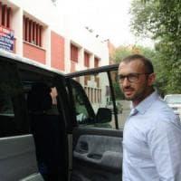 """Marò, Corte Suprema India: """"Immediato rientro Girone"""". Renzi: """"Bentornato, con noi il 2..."""