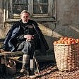 'Tangerines', nemici in guerra 'Colonia', Emma si emancipa