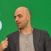 """Saviano contro Pd: """"Si vergogni degli alleati di Ala"""""""